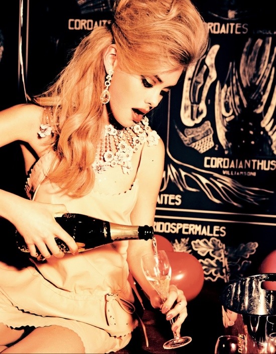Vogue-Japan-January-2013-Party-Dolls-010