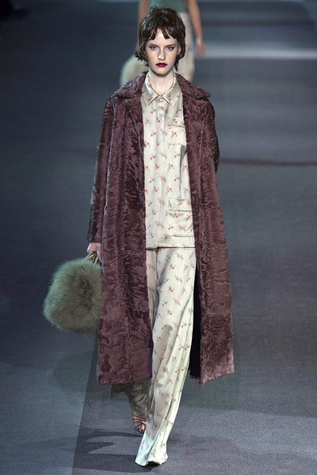 louis-vuitton-rtw-fw2013-runway-06_075710694973
