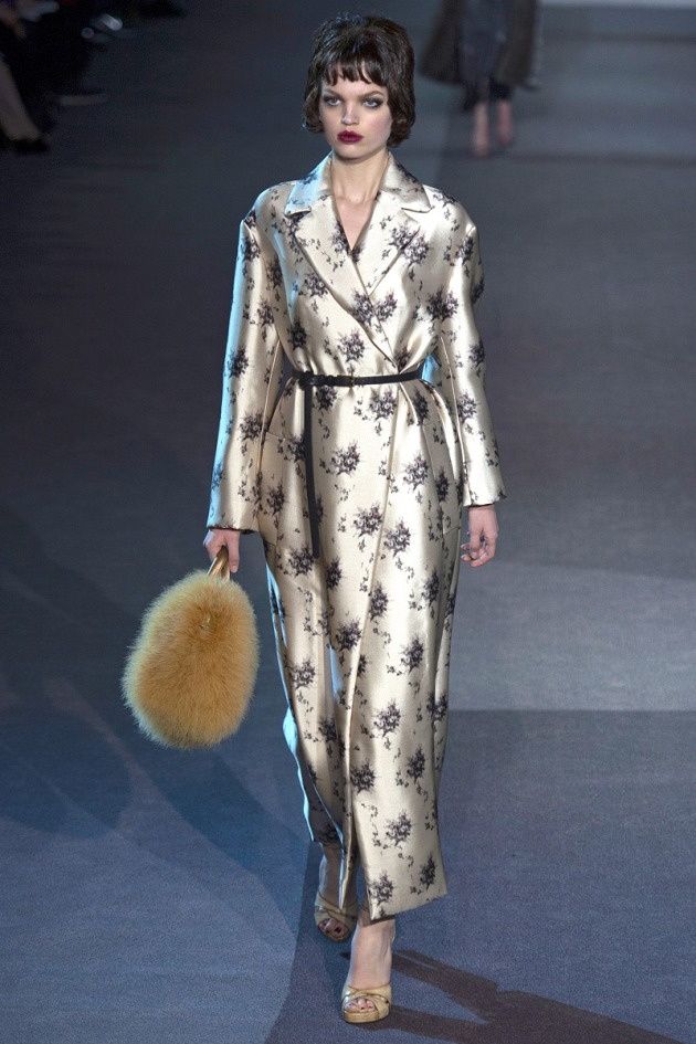 louis-vuitton-rtw-fw2013-runway-09_075712139852