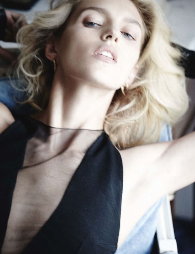 Anja-Rubik-Mario-Testino-Vogue-Germany-2014.2
